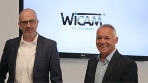 De heer Diepenbroek (links) is verantwoordelijk voor de installatie, training en ondersteuning in Duitsland. De heer Timo Eigenblut, directeur (rechts) geeft leiding aan de uitbreiding van het support team.